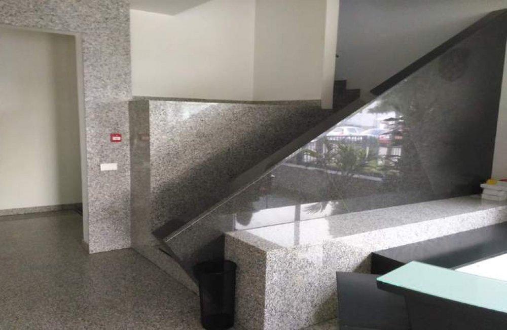 Narodne Novine - Zagreb - granit (Bianco sardo) #2